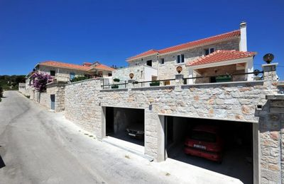 Astonishing stone villa with pool on island Brac