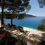 Luxury beachfront villa for 6 persons on the island of Brac
