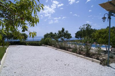 Romantic seafront villa with pool for 6 persons in Split