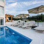 Fascinating villa with pool for 8 persons in Okrug Gornji