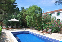 5 bedroom Luxury Seafront Villa with Pool in heart of Dalmatia