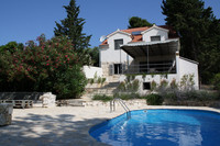 Charming Seafront Villa with Pool in Bol Brac Island