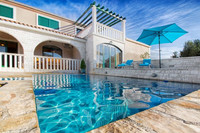 Beautiful Villa with Swimming Pool in Marina near Trogir