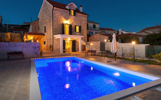 Gorgeous Dalmatian Stone House with Pool Island Solta
