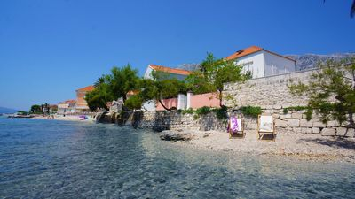 Beachfront Villa with Pool for 9 People in Orebic