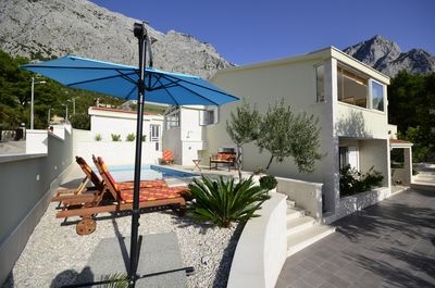 Attractive Holiday Villa with Pool in Baska Voda near Makarska