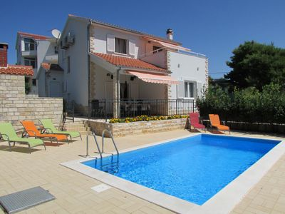 Delightful Holiday House with Pool in Maslinica, Island Solta