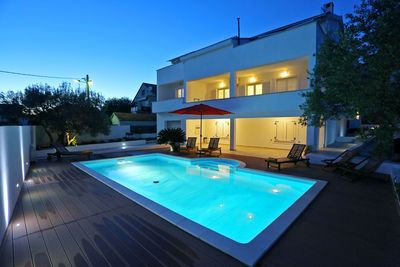 Gorgeous Spacious Villa with Pool and Gym in Zadar