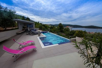 Adorable Villa with Pool and Gorgeous View in Vis; Island Vis