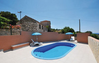 Charming Holiday House with Pool in Razanj