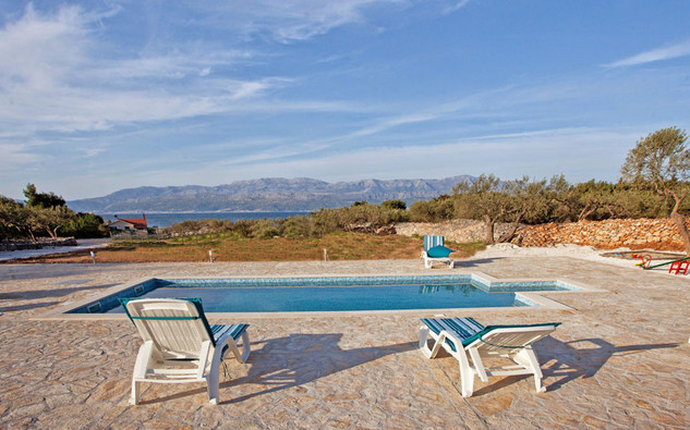 Delightful Holiday House with Pool in Mirca; Island Brac