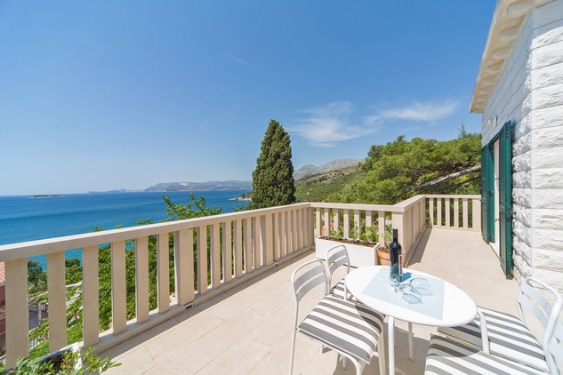 Beautiful Seaside Holiday House in Cavtat, near Dubrovnik