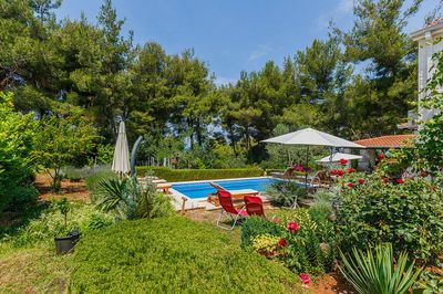 Beautiful Holiday Villa with Pool in Brac Island