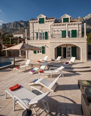 Splendid Makarska Villa with Heated Indoor and Outdoor pool and Traditional Dalmatian Tavern