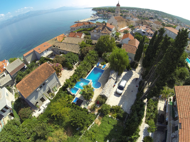 Large Island Brac Children Friendly Villa With Pool, Near The Beach