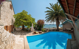 Luxury Beach Villa with Pool in Orebic Peninsula Peljesac