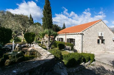 Adorable Countryside Stone House with beautiful Terrace with Pool and Tavern in Dubrovnik Region