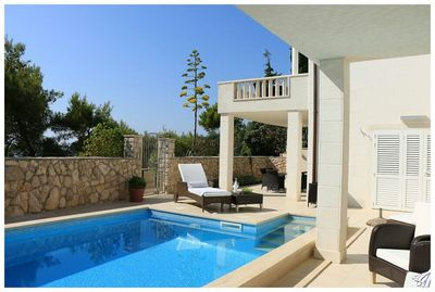 Large Luxury Beach Villa with Pool in Primosten