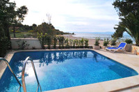 Splendid Beach Villa with Swimming Pool in Mirca, Island Brac