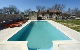 Countryside Holiday Villa with Swimming Pool in Zadar Area