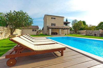 Central Istria Traditional Villa with Swimming Pool and Beautiful Large Garden