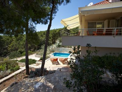 Three Bedroom Villa with Pool in Duboka Bay near Milna Brac