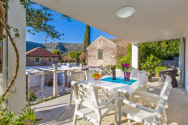 Luxury Villa with Pool and Sea View in Zaton near Dubrovnik