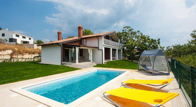 5 Bedroom Istrian Villa with Sea Water Swimming Pool