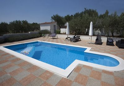Attractive Villa with Pool and Additional Facilities in Milna Brac Island