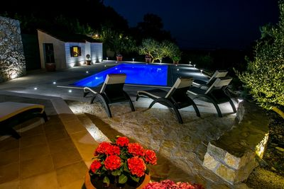Charming Holiday Villa With Pool In Kastel Kambelovac Near