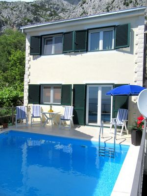 2 Bedroom Holiday House with Private Pool in Makarska Riviera