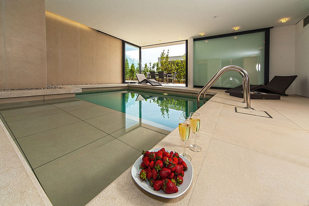 De Lux Villa with Indoor Swimming Pool in Primosten