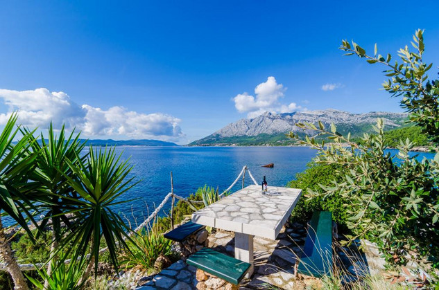 Beautiful Authentic Peljesac Seafront House with Private Beach