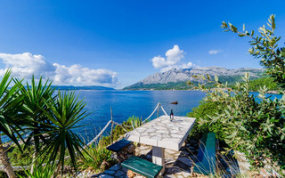 Beautiful Peljesac Seafront House with Private Beach Sauna & Fitness Room