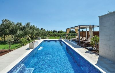 Luxury Villa with Large Pool, Sauna, and Fitness near Split and Trogir