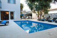 Luxury 3 Bedroom Apartment with Private Pool in Split close to Town Center