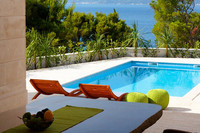 Attractive Luxury Stone Brac Villa with Pool and Jacuzzi near Beach