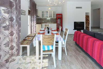 Charming Holiday House with Pool in Dugopolje near Split