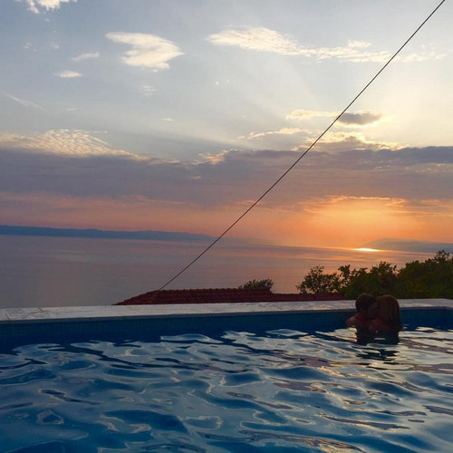 Sea View Stone Holiday Villa with Large Swimming Pool in Podgora