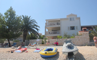 Beachfront Holiday House Ciovo Slatine