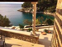 Beautiful Seafront Stone Holiday Villa with Jacuzzi Hot Tub Island Brac