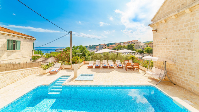Stone Villa with Pool in Sumartin Island Brac