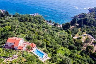 Astonishing Luxury Villa with Heated Swimming Pool in Soline near Dubrovnik