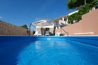 Charming 4 Bedroom Holiday House with Private Pool in Razanj