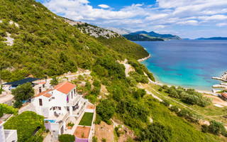 Adorable Seafront Family Villa with Pool Dubrovnik and Peljesac area