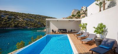 Luxury Villa with Pool in front of the Beach near Vinisce