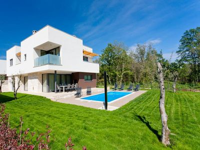 Umag luxury villa with pool 2