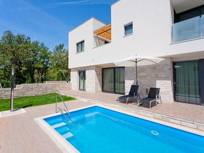 Umag luxury villa with pool 3