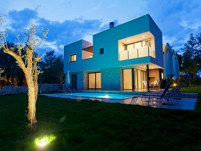 Umag luxury villa with pool 5