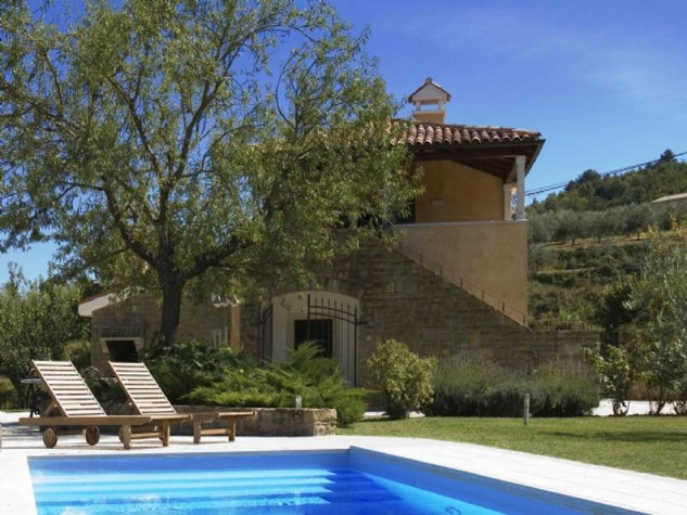 Countryside Istrian villa with pool Momjan